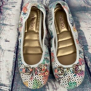 ME TOO Lacey Floral Design Flats
